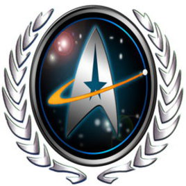 <p>星艦學院是臺灣唯二的大學科幻社團,由一群Star Trek的同好成立於1998年10月6日,當時以欣賞被臺視腰斬的銀河飛龍為主要活動,並曾舉辦星艦週、星艦電影首映會以及自行拍攝電影等創舉。近年來星艦學院已轉型為科幻研究社,將Star Trek以外的其他科幻作品一併囊括。平時活動除了每週五晩上的社課播放各類型的科幻影片、定期邀請科幻及科學相關演講、並設有科幻小說讀書會。   學院章程規定,任何智慧生物都可以加入星艦學院。不論您是小學生、外籍生、外校生、社會人士、外星人、人工智慧&hellip;&hellip;我們都歡迎您的加入。</p>